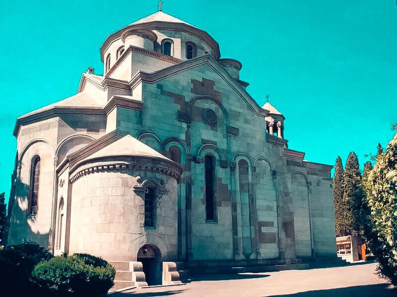 На фото Церковь Святой Рипсиме