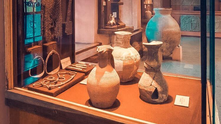 Феодосийский музей древностей - фото
