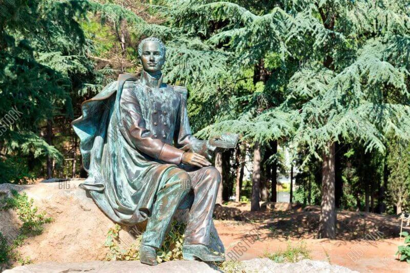Скульптура графа Раевского