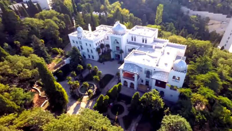 Дворец Дюльбер в Крыму - фото.