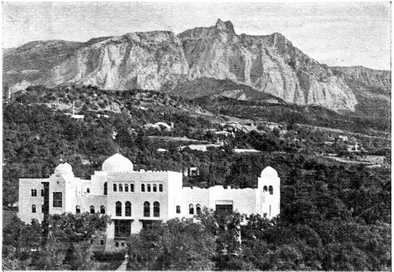 Историческое фото дворца Дюльбер
