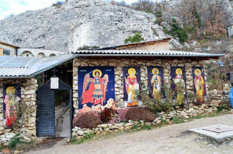 Монастырь в горах - Бисерный храм