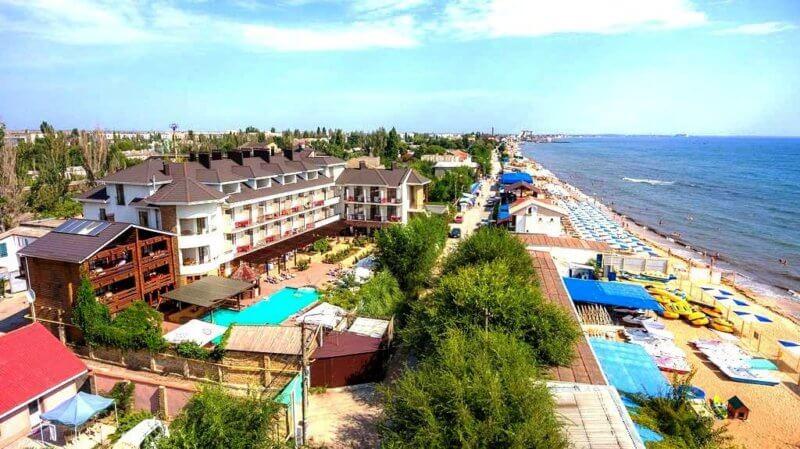 Вид на пляж Баунти в Феодосии