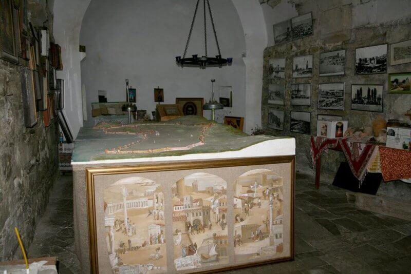 Фото в Церкови Святого Георгия