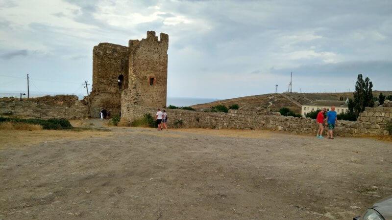 Руины Генуэзской крепости Кафа