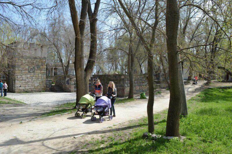Комсомольский парк - фото