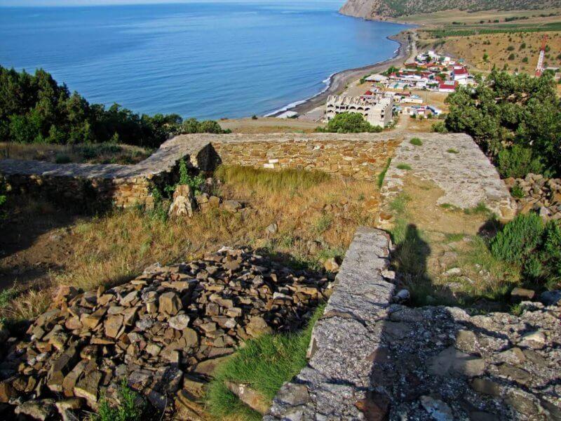 Крепость Кутлак - фото