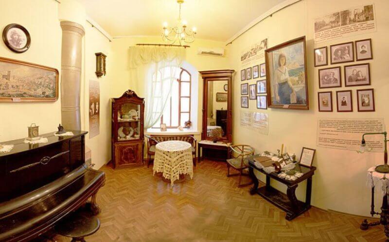 Гостиная сестер Цветаевых - музей в Феодосии