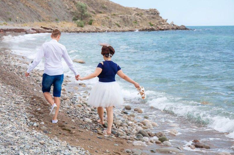 Прогулка по пляжу Орджоникидзе