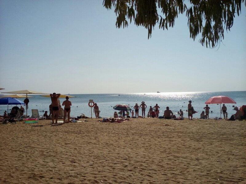 Фото с Жемчужного пляжа в Феодосии
