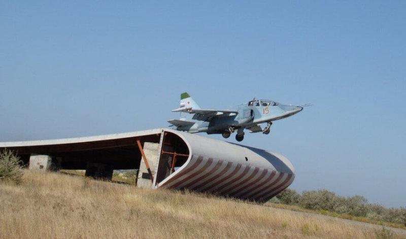 НИТКу - авиационный испытательный тренировочный комплекс в Новофедоровке.