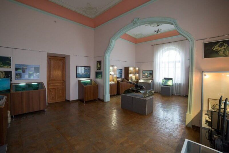 Экспонаты музея на Даче Стамболи в Феодосии