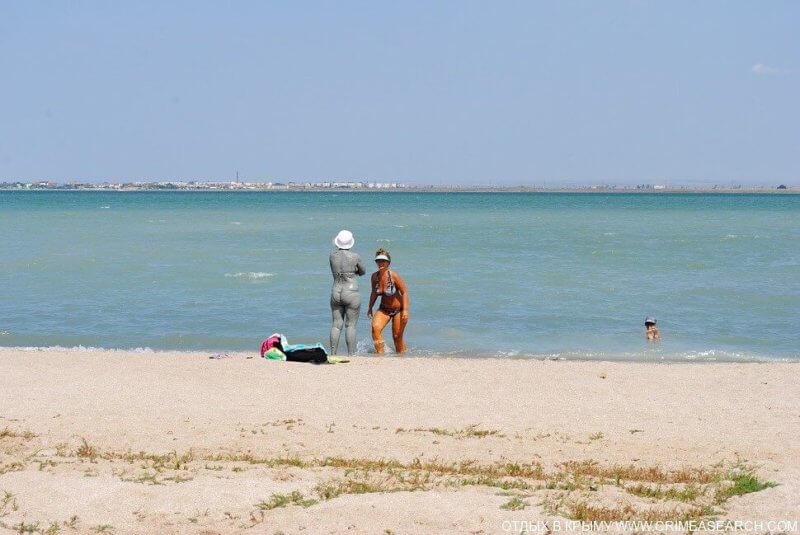 Пляж и море рядом с Ойбурским озером
