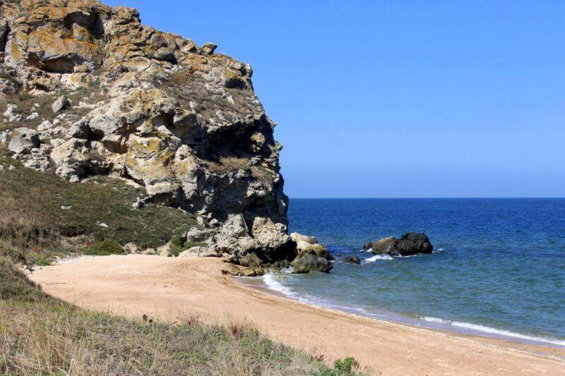 На фото Генеральские пляжи