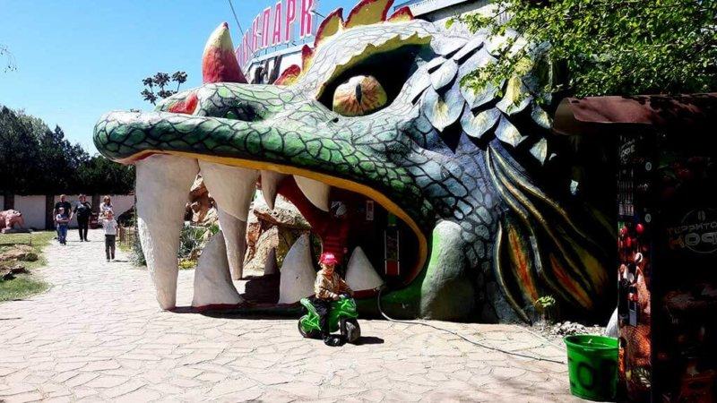 На фото тропик-парк в Евпатории (экзотариум)
