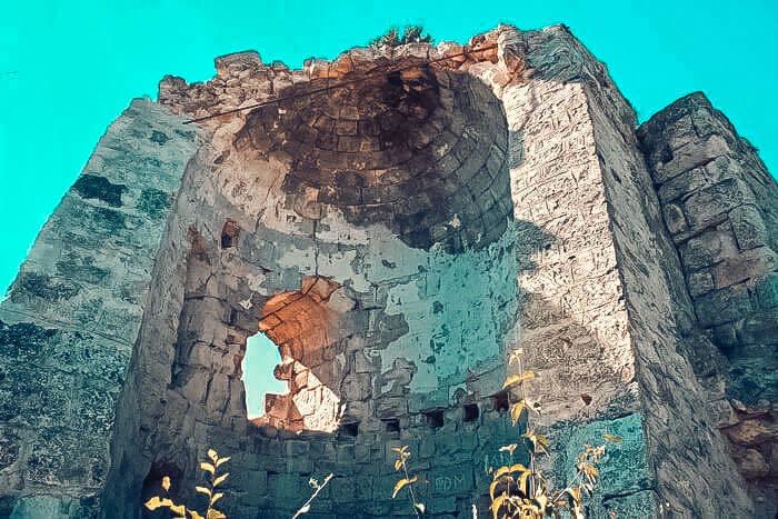 Задняя часть Сюрийской крепости