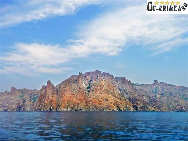 Вулкан Карадаг фото с моря