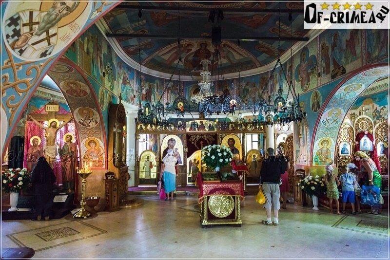 Топловский женский монастырь - зал