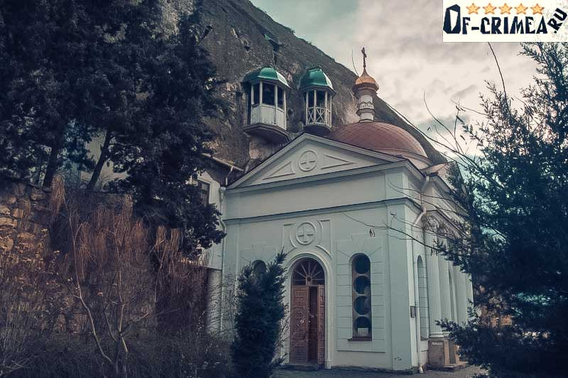 Храм у подножья Крепости