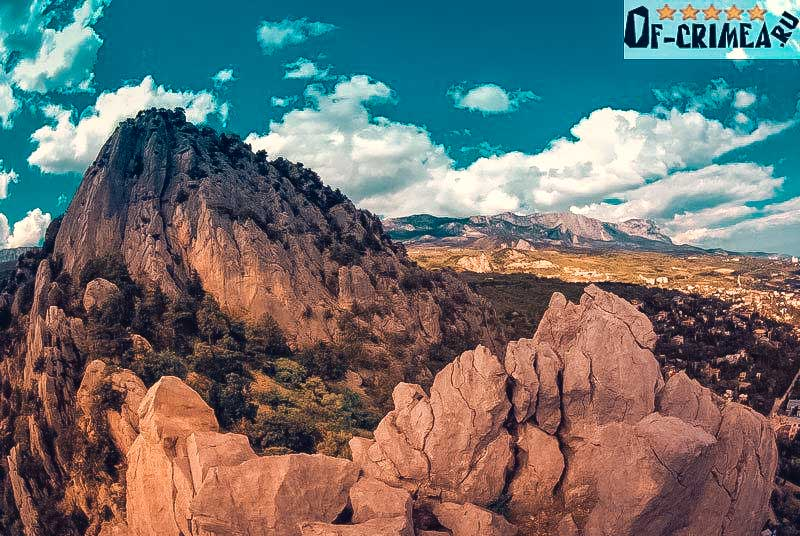 Красива гора Кошка в Симеизе