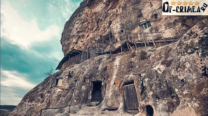 Окраины пещерного монастыря Шулдан