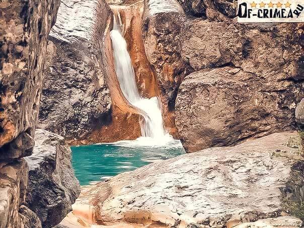 Арпатские водопады в урочище Панагия