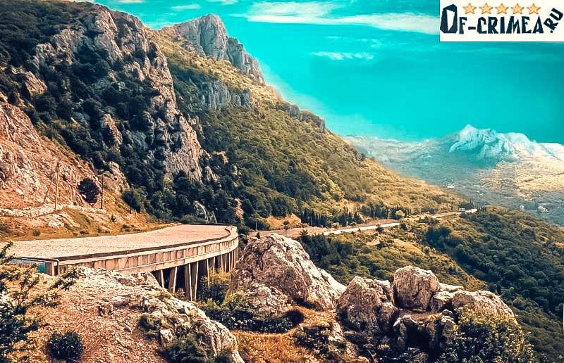 Фото со смотровой площадки Ласпинского перевала