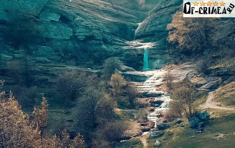 Вид на водопад Джурла
