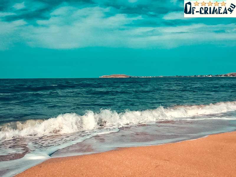 Море на мысе Зюк
