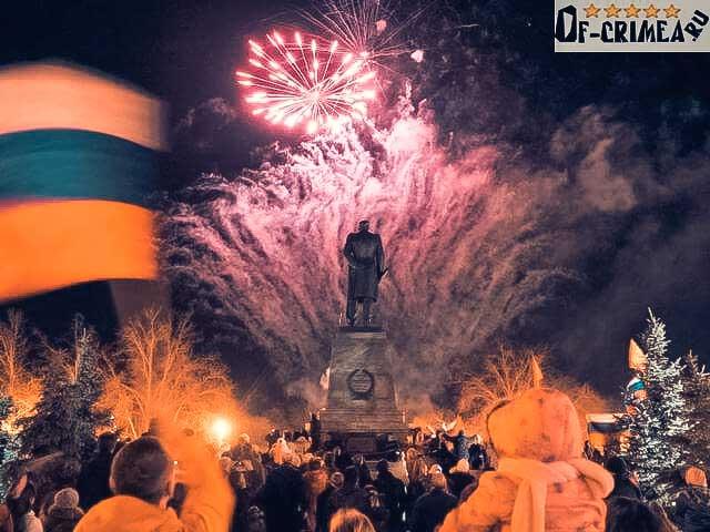 Новогодний фейерверк в Крыму